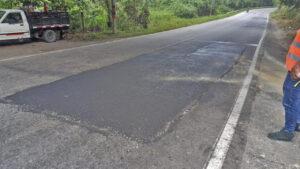 Avanza la rehabilitación bacheos y parcheos vía Rionegro (1)