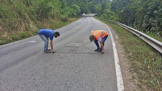 Avanza la rehabilitación bacheos y parcheos vía Rionegro (6)